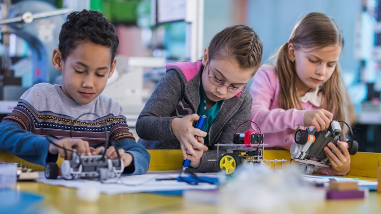 MakerSpace: Making Your Own Technology